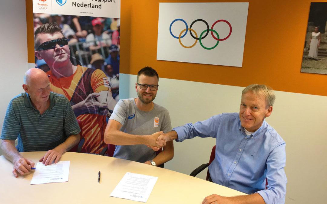 Bondscoach Van der Hoff verlengt contract bij Handboogbond