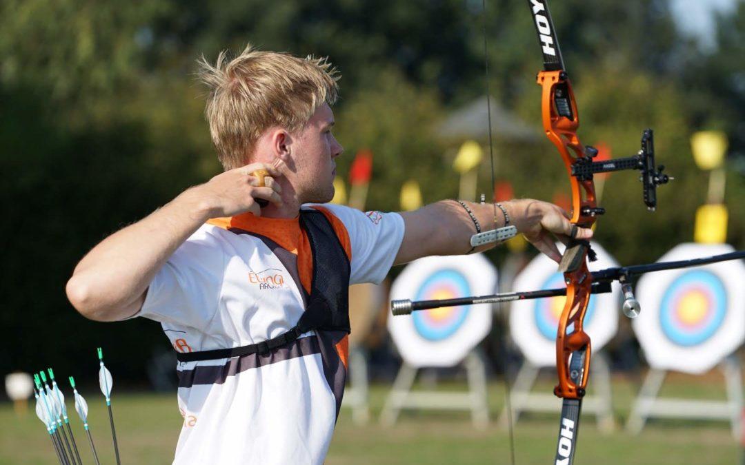 Gijs Broeksma haalt het hoogste podium op het Nederlands Kampioenschap outdoor recurve junioren